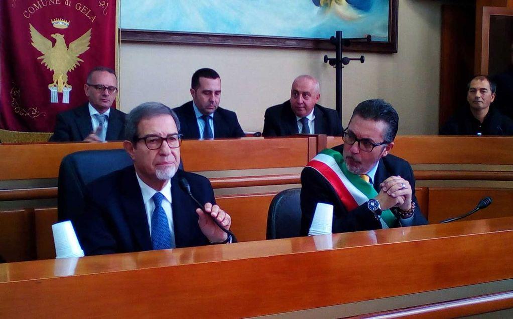 Il presidente della Regione Sicilia Nello Musumeci, con il commissario straordinario Saro Arena | Gela le Radici del Futuro